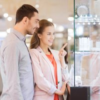 "Understanding the ""Four Cs"" of Diamond Purchasing"