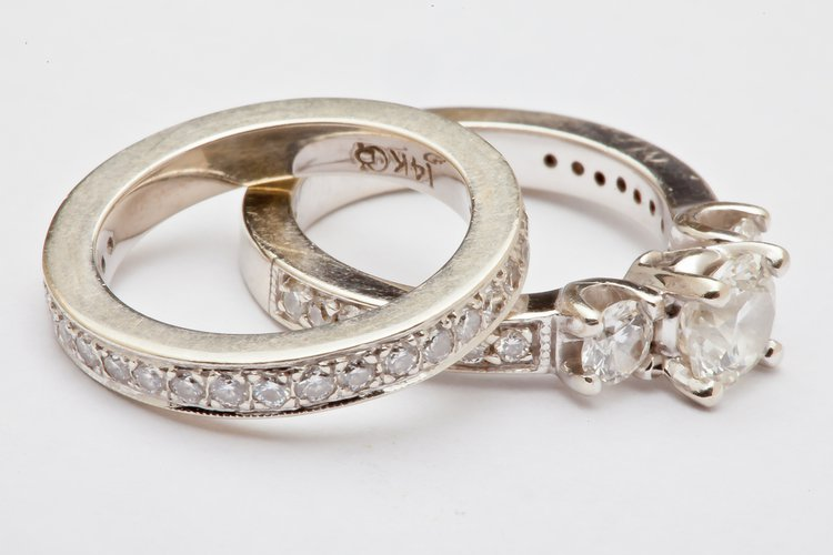 Setting Options for Durable, Practical Engagement Rings